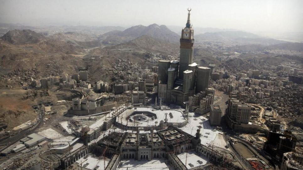 mideast-saudi-remakin_horo-2-965x543